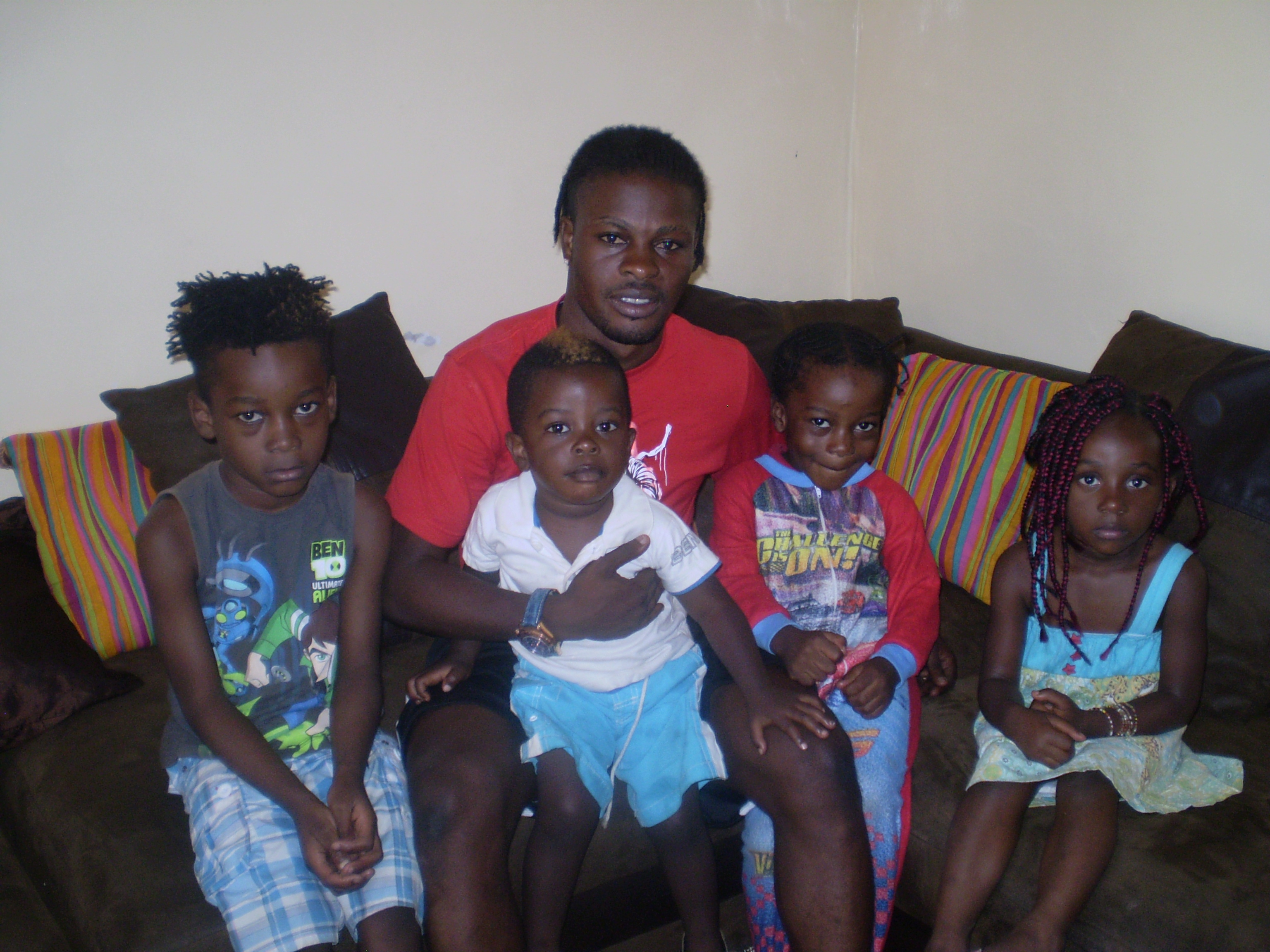 Trésor Mputu et ses enfants